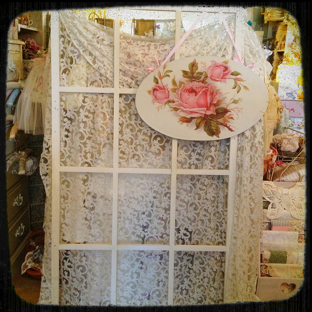 Vintage love with old window frames and lace | Image credit: Faylyne/Flickr