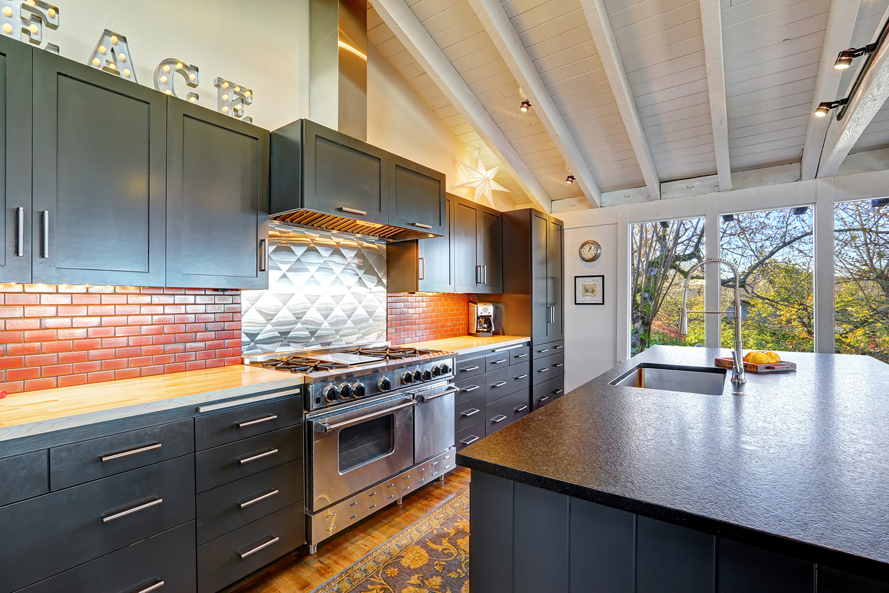 Open kitchens just make your home seem so much more brighter!