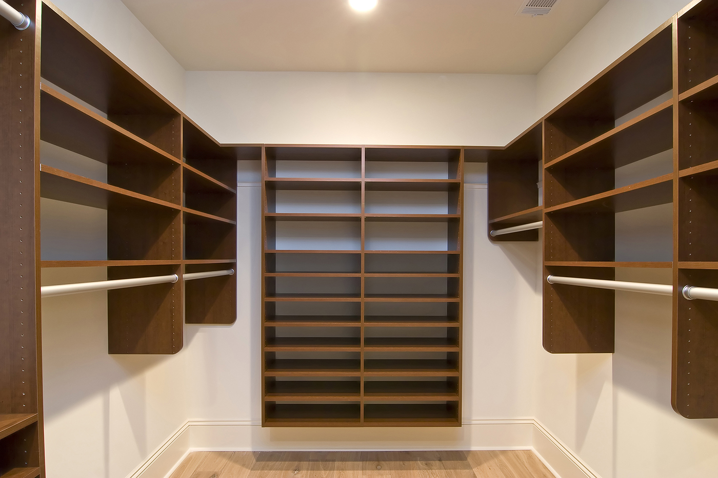 Wardrobes What You Need To Keep In Mind